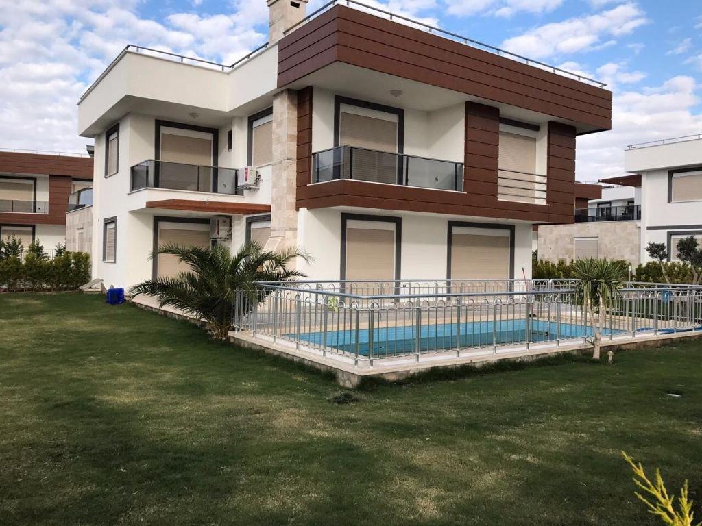 Huizen Turkije Kuşadası sitelerde villa, (Turkije).