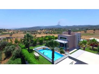 5000 m2 arsa uzerinde muhtesem bir villa. (Turkije).