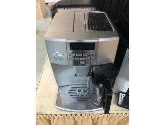 Koffiemachine DeLongi full cappuccino totaal gereviseerd