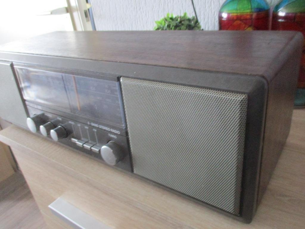 Gebruiksvoorwerpen Vintage radio frontech model trc-311