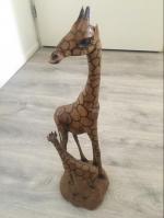 2 prachtige houten giraffen. Houdsnijwerk !