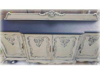 Eiken origineel dressoir met Leeuwen  poten uit grootmoederstijd