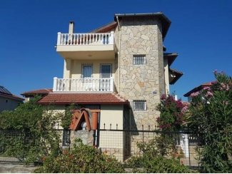 Yüzme havuzlu lüks villa  (Turkije).