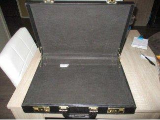 Zwarte atache koffer met sleutel slot zgan!!!!