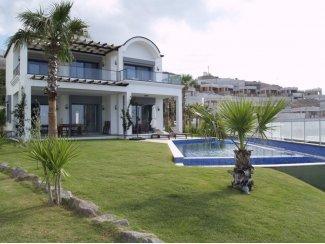 Bodrum Yalıkavak'ta Denize Sıfır Müstakil Villa
