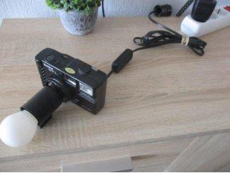 Een Konica fototoestel omgebouwd tot een unieke vintage kuns