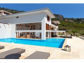 Alanya Bektaş' ta Mobilyali 5+2 Lüks Satılık Villa