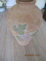Een antieke waterkruik vroeger of stenen vaas 27 cm hoog